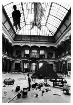 <br />Joseph Beuys im Martin-Gropius-Bau  Berlin, 1982  © Barbara Klemm